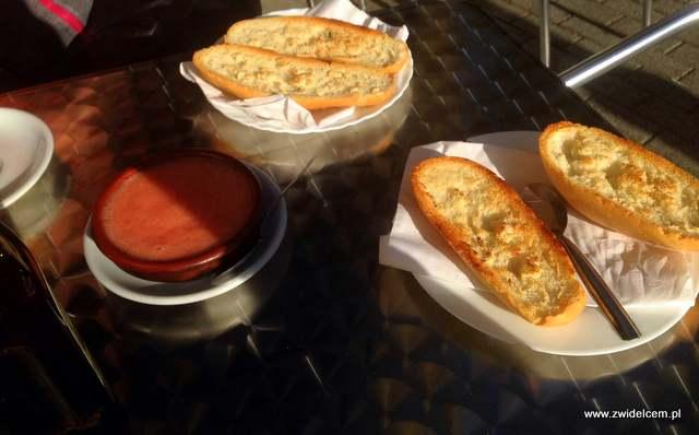 Hiszpania - Malaga - Cafe Bar Benidorm - pan con tomate