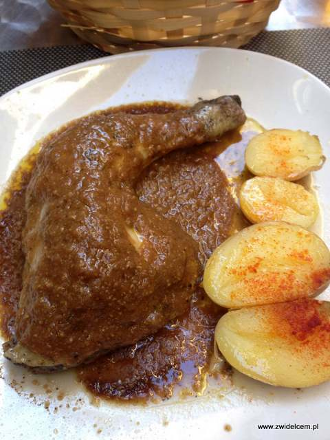 Hiszpania - Granada - El Taller - pollo asado con salsa - kurczak pieczony