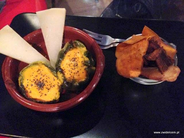 Hiszpania - Granada - La Flauta - faszerowane papryki i ser manchego