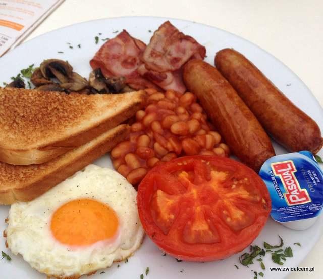 Hiszpania - San Pedro DEl Pintar- śniadanie brytyjskie