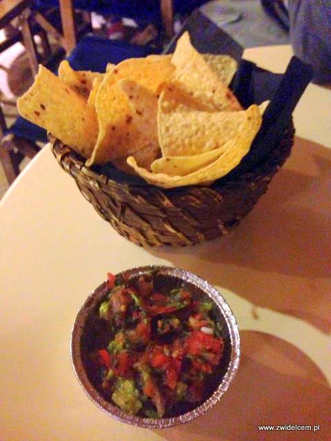 Hiszpania - Alicante - Austin Bar - nachos z guacamole