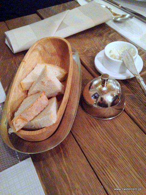 Kraków - Miodova - czekadełko - twarożek - chleb