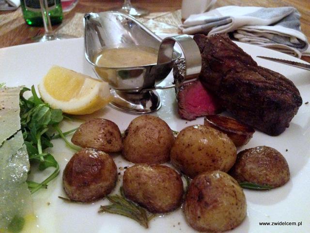 Kraków - La Grande Mamma - stek z polędwicy z ziemniaczkami