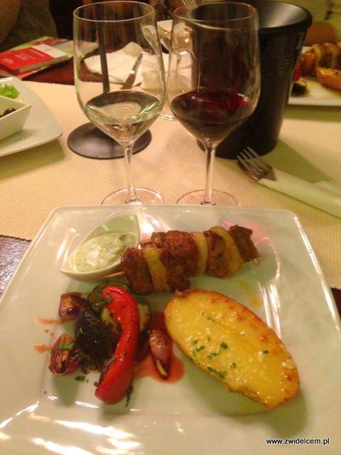 Kraków - Klimaty Południa - Vinisfera.pl - Degustacja win gruzińskich - danie główne - szaszłyk