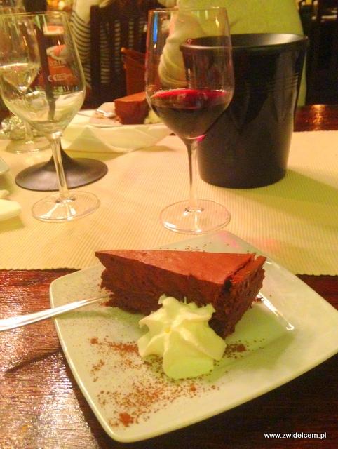 Kraków - Klimaty Południa - Vinisfera.pl - Degustacja win gruzińskich - deser - ciasto czekoladowe bez mąki