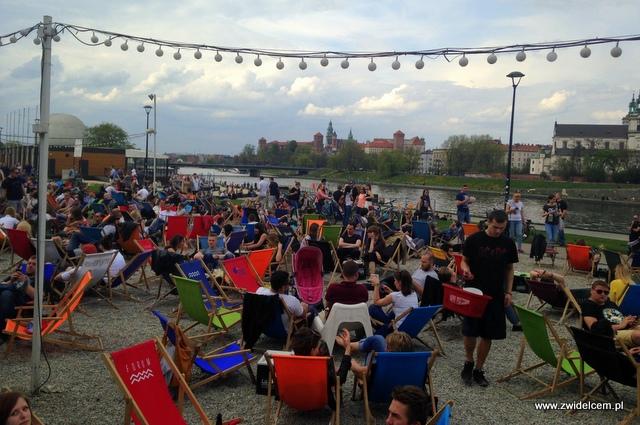 Kraków - Forum Przestrzenie - Najedzeni Fest! wino - leżaki