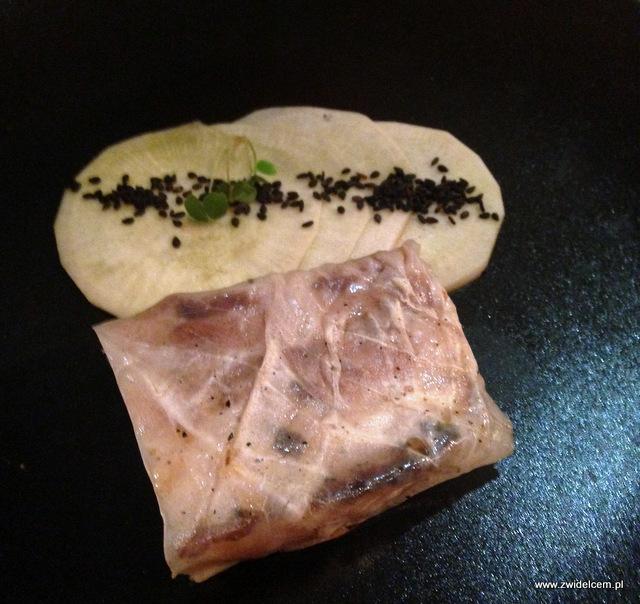 Kraków - Ramen Girl of Yellow Dog - deser - boczek w kapuście kiszonej udaje sushi
