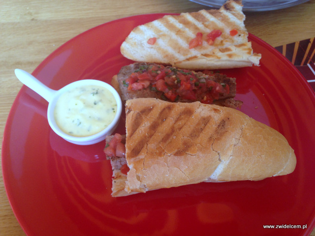 Kraków - Chorizo - kanapka z chorizo w przekroju