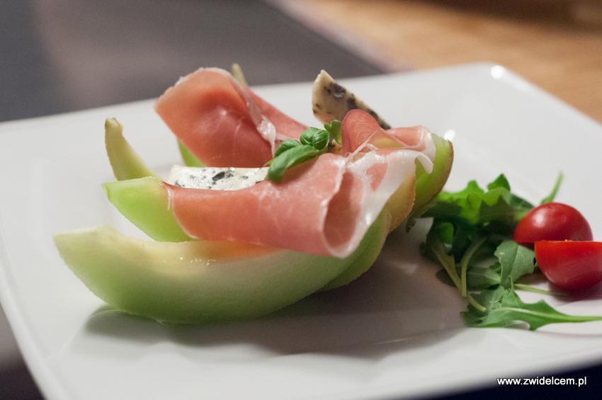 Kraków - Malecon - Melon z szynką parmeńską, serem pleśniowym i winogronem