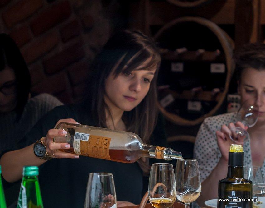 Kraków – Enoteka Pergamin – Kobiety i Wino – degustacja – rozlewanie Toro Albalá Don P.X. 2012