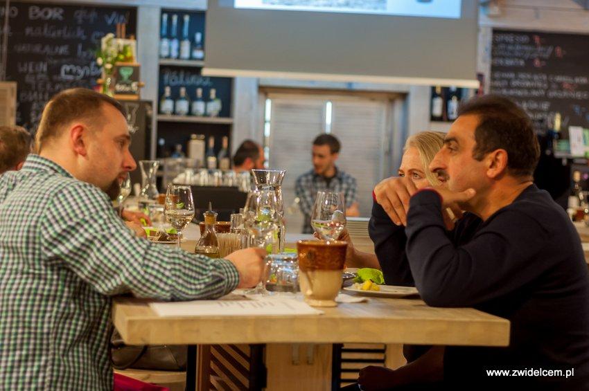 Kraków - degustacja win z Toledo - Terra Felix - Lipowa 6F - Krako Slow Wines -goście