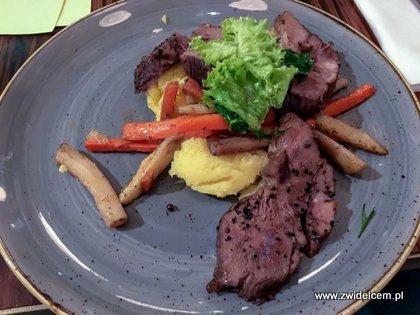 Kraków - Zenit - wolno pieczona wieprzowina, poszetowane warzywa