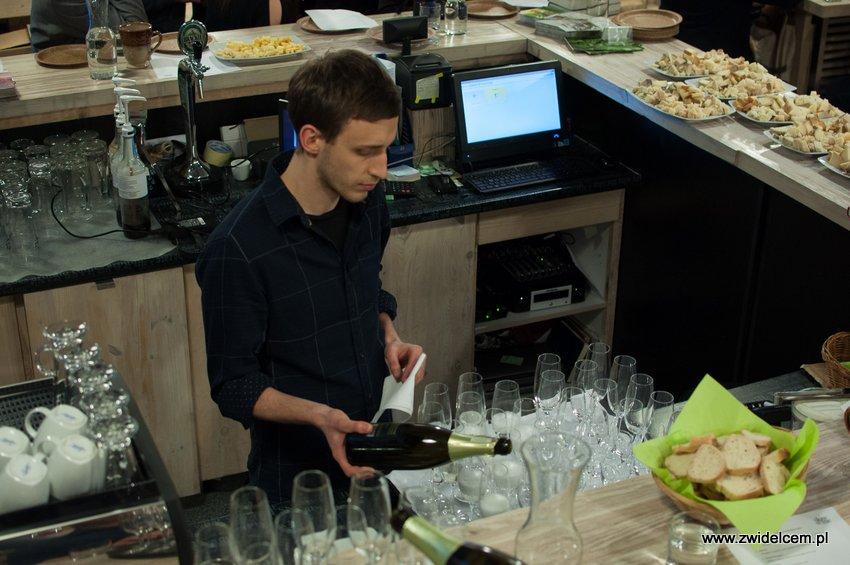Krakó Slow Wines - Lipowa 6f - Degustacja win włoskich - rozlewanie prosecco
