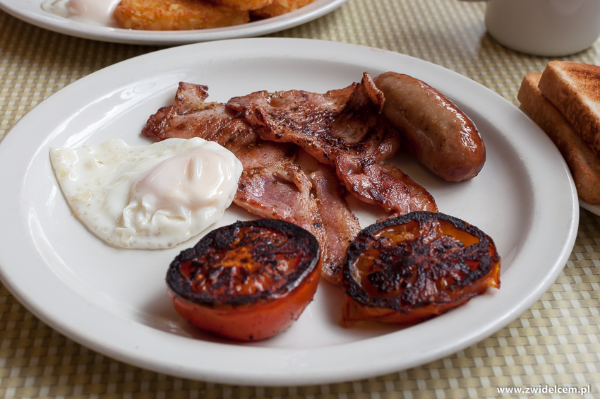 Londyn - London - Regency Cafe - bacon, egg, sausage, tomatoes