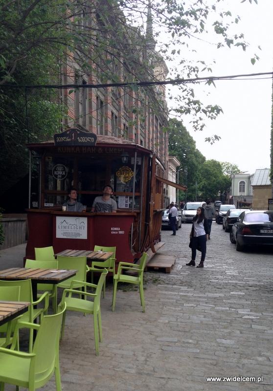 Gruzja - Tbilisi - bar z naleśnikami w tramwaju