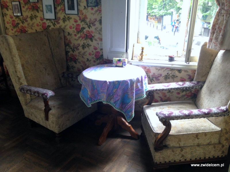 Gruzja - Tbilisi - Linville - fotele
