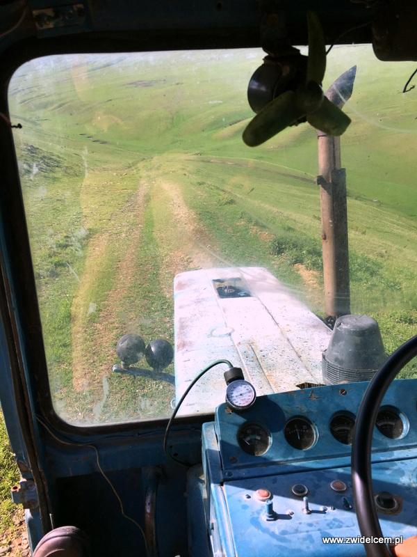 Gruzja - Udabno - widok z traktoru