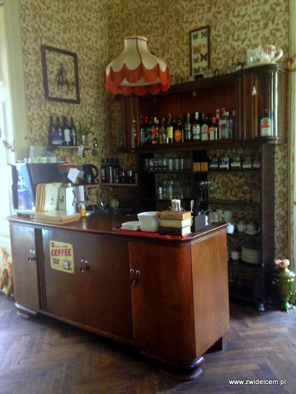Gruzja - Tbilisi - Linville - bar