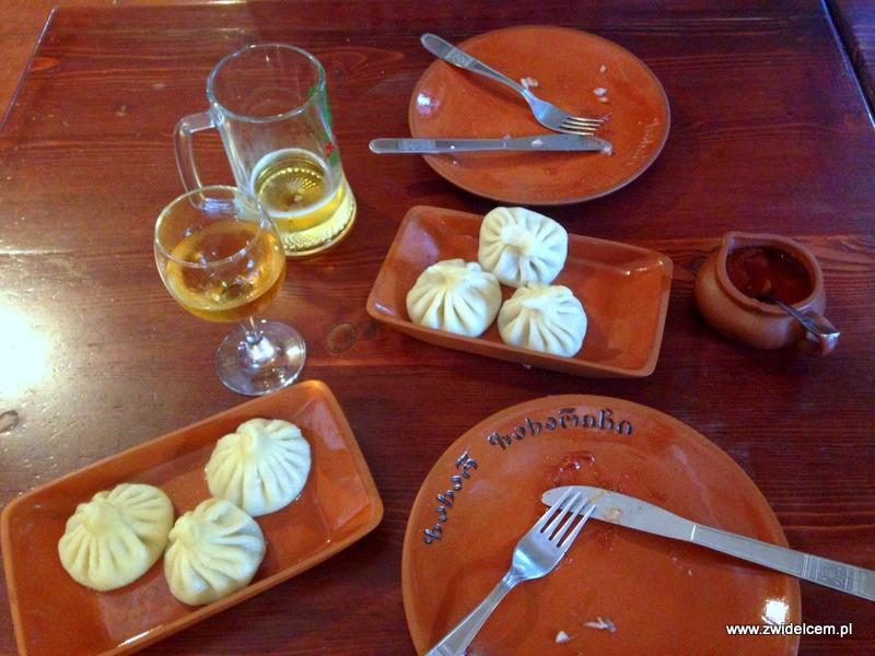 Tbilisi - Zahar Zaharich - chinkali z jagnięciną i wołowiną