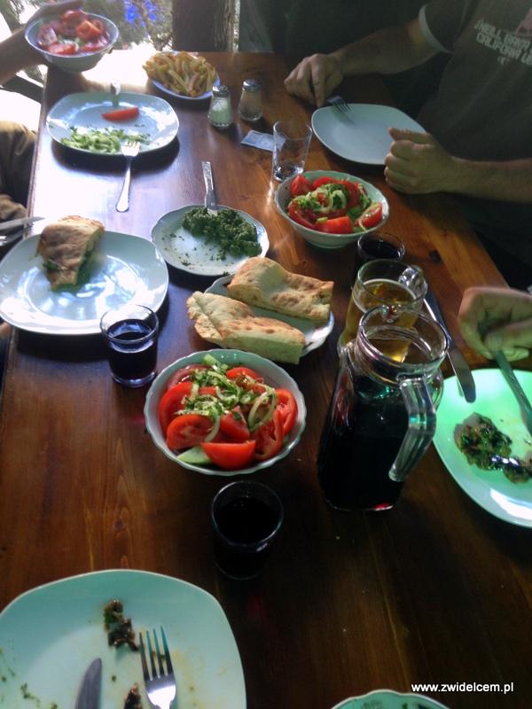 Gruzja - Mccheta - Salobie - dania jarskie i napoje