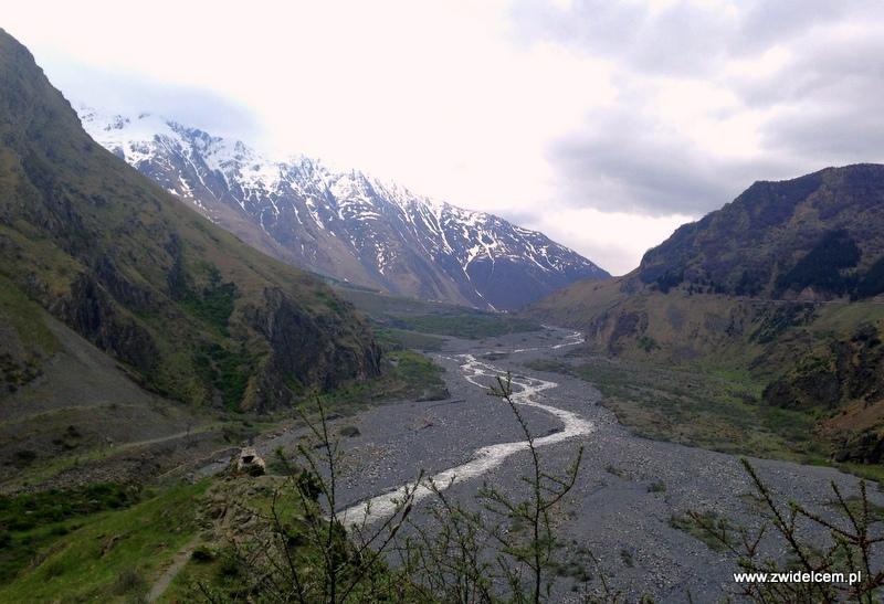 Gruzja - Kaukaz - dolina