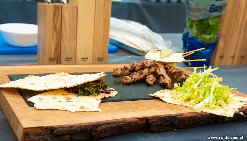Ogrodzieniec - Poziom 511 Design Hotel & Spa - Pokaz kulinarny z Karolem Okrasą - szaszłyki-tortilla