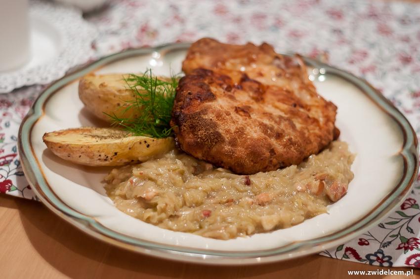 Kraków - Gąska - Kotlet Schabowy z pieczonym ziemniakiem i zasmażaną kapustą