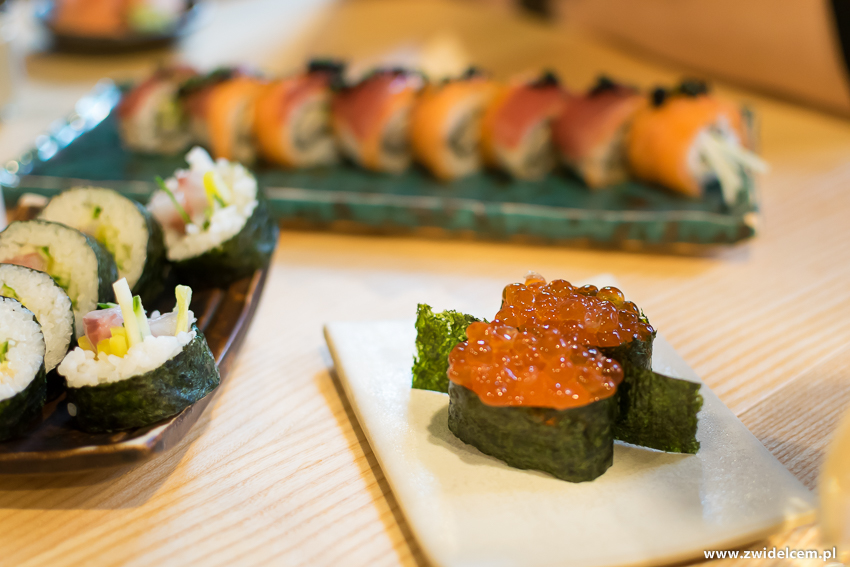 Kraków - Nago Sushi & Sake -Futomaki z okoniem - Gunkan maki