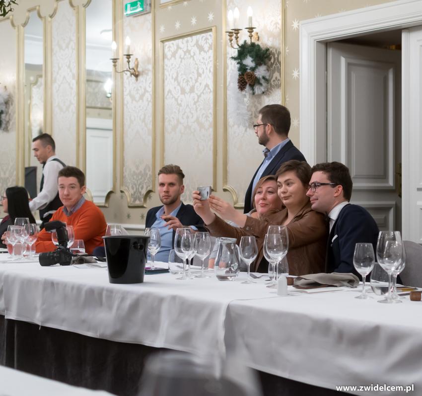 Kraków - Dwór Sieraków - Nowa osobowość kuchni i win Mołdawii - selfie