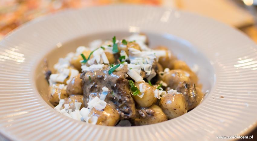 Kraków - Tytano- Strefa -gnocchi w sosie z grogonzoli z pieczoną wołowiną
