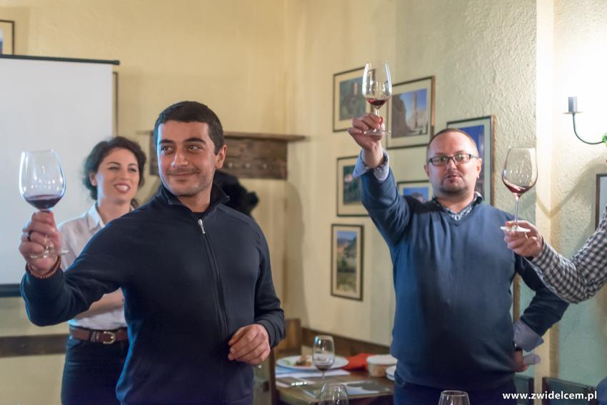 Kraków - Il Calzone - degustacja win gruzińskich - toast