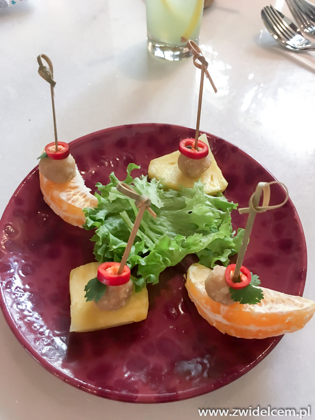 Kraków - Taj - kuleczki orzechowe - lunch wege